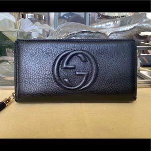 Gucci zippy Wallet